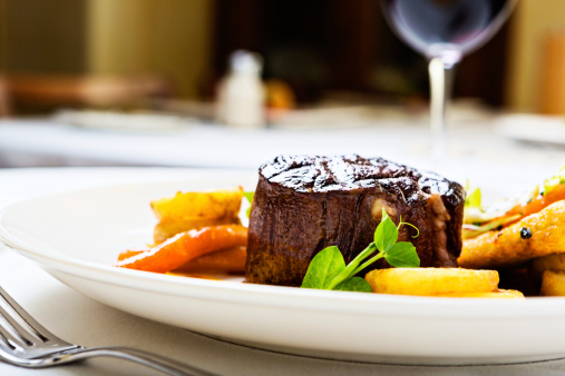 Fillet Steak「Char-grilled filet  mignon with glazed vegetables」:スマホ壁紙(6)