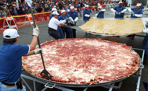 Tortilla Dish「Attempt at the world record for the largest enchilada」:写真・画像(4)[壁紙.com]