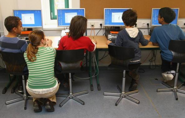 School Building「Government Plans Education Summit」:写真・画像(13)[壁紙.com]