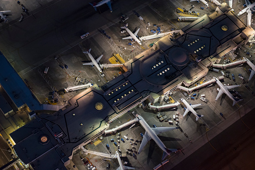 City Of Los Angeles「Aerial view of airplanes parked in airport gates」:スマホ壁紙(9)