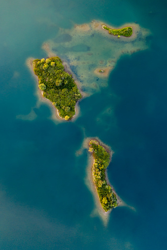 Belt「Aerial view of crushed stone quarry island」:スマホ壁紙(1)