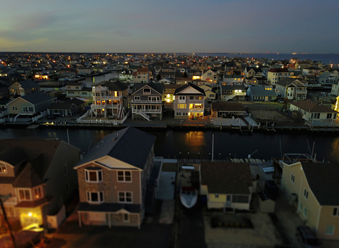 Chaos「aerial view of houses at night on waterfront property」:スマホ壁紙(10)