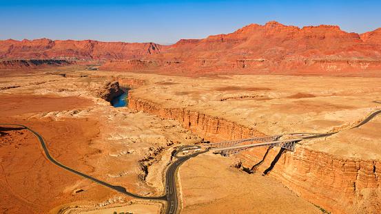 Sedona「Aerial view of Navajo Bridge over Colorado River」:スマホ壁紙(6)