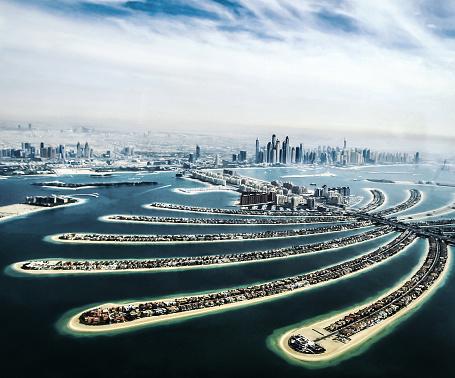 Island「Aerial view of Palm Jumeirah and Dubai Marina」:スマホ壁紙(17)