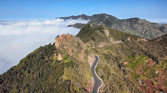 Canary「Aerial view of cloudy mountain road in Anaga mountain range, Tenerife, Canary islands, Spain.」:スマホ壁紙(10)