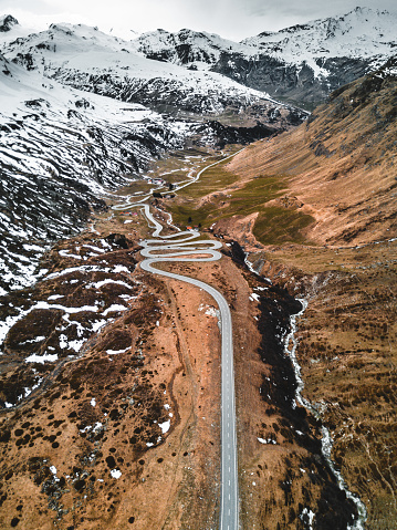 Hairpin Curve「aerial view of the julierpass in switzerland」:スマホ壁紙(14)