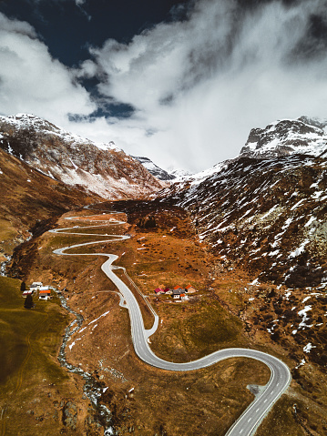 Hairpin Curve「aerial view of the julierpass in switzerland」:スマホ壁紙(3)
