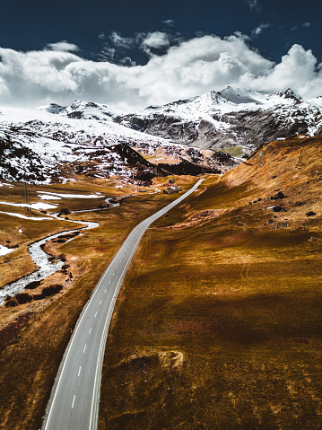 Hairpin Curve「aerial view of the julierpass in switzerland」:スマホ壁紙(15)