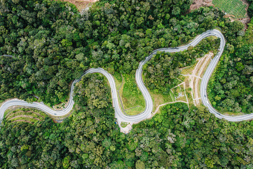Hairpin Curve「Aerial view of the road through the The Cameron Highlands」:スマホ壁紙(3)