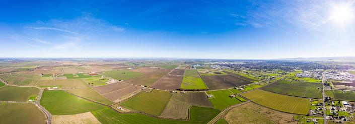 田畑「農地のカリフォルニア中央谷の空撮」:スマホ壁紙(19)