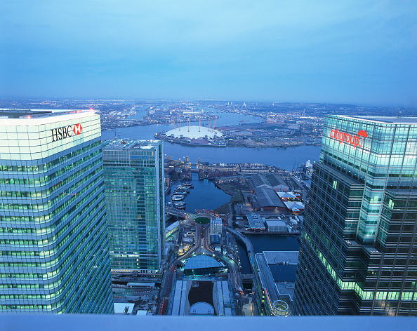 Viewpoint「Aerial view of Canary Wharf towers  the river Thames and the Millennium Dome in the background  Docklands area. London  United Kingdom.」:写真・画像(11)[壁紙.com]