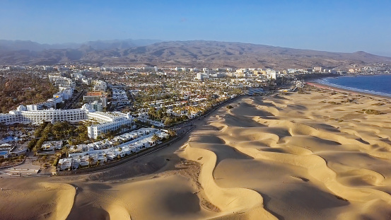 Canary「Aerial view of Maspalomas sand dunes and resort, Gran Canaria, Canary islands, Spain」:スマホ壁紙(1)