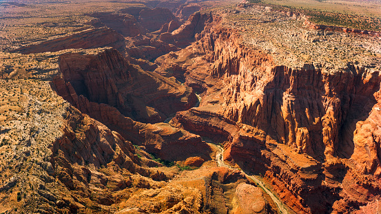 Sedona「Aerial view of dry Colorado River and valley」:スマホ壁紙(8)