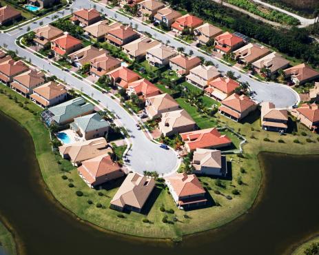 Cul-de-sac「Aerial view of residential housing development」:スマホ壁紙(16)