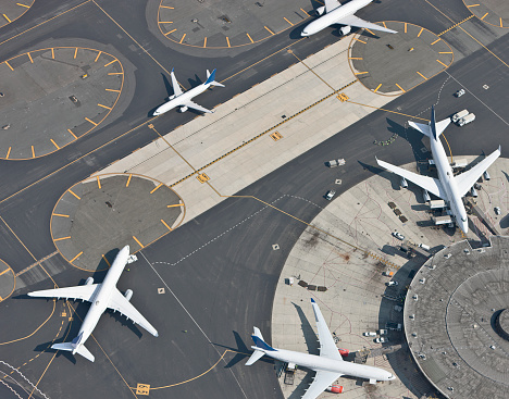 Connection「Aerial view of airport and runway」:スマホ壁紙(10)