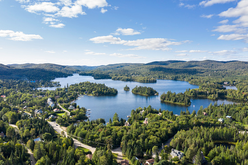 Chalet「Aerial View of Laurentian's Landscape, Quebec, Canada」:スマホ壁紙(5)