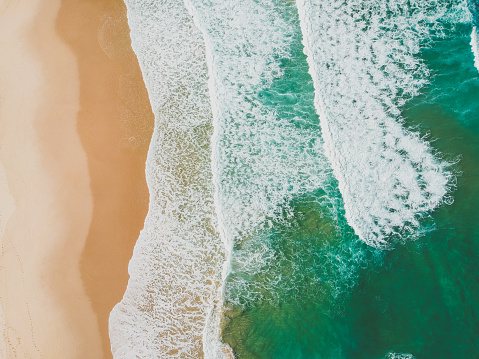 Escapism「Aerial view of beach, Magenta, New South Wales, Australia」:スマホ壁紙(7)