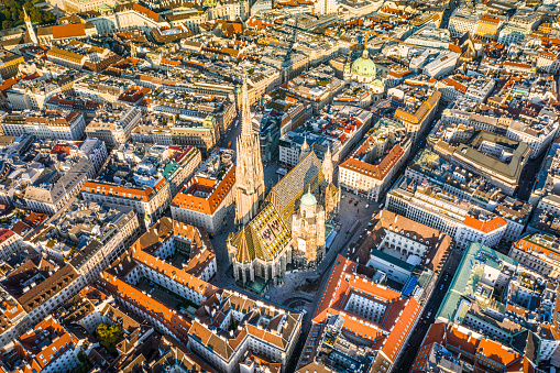 Cathedral「Vienna aerial view in Austria is one of the most famous capital cities of Europe」:スマホ壁紙(11)