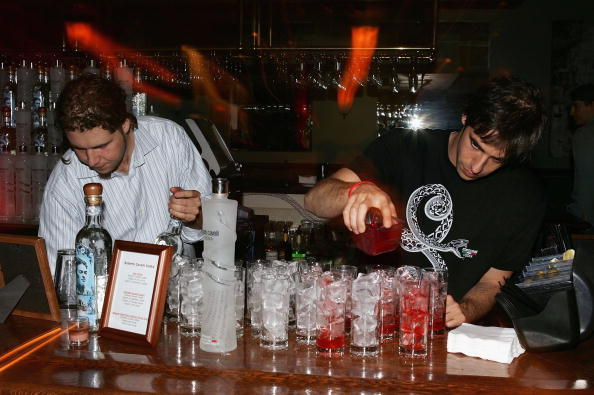 Bar Counter「CA: 6th Annual Beverly Hills Film Festival - Camden House After Party」:写真・画像(4)[壁紙.com]