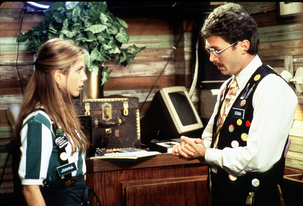 Office「Waitress Jennifer Aniston Does Not Enjoy Her Last Talk With Her Boss In A Scene Of Twentieth Centur」:写真・画像(18)[壁紙.com]
