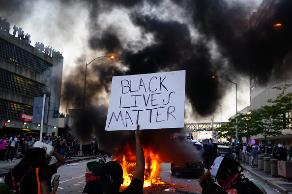 Black Lives Matter「Atlanta Protest Over Police Custody Death Of George Floyd」:写真・画像(0)[壁紙.com]