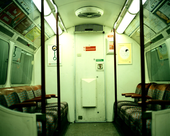 Subway Train「London Underground Train」:写真・画像(17)[壁紙.com]