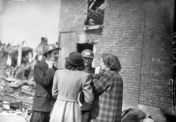 Exploding「North Strand Bombings 1941」:写真・画像(9)[壁紙.com]