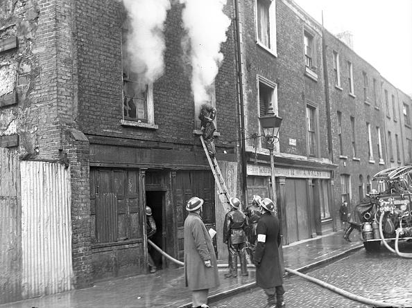 Exploding「North Strand Bombings 1941」:写真・画像(18)[壁紙.com]