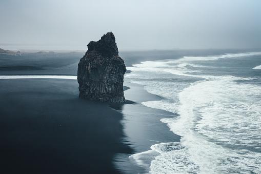 Volcanic Rock「Black Beach」:スマホ壁紙(12)