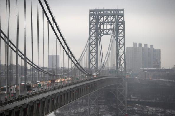 Traffic「Senate Chairman Of Transportation Committee Calls For Investigation Into George Washington Bridge Lane Closures」:写真・画像(11)[壁紙.com]