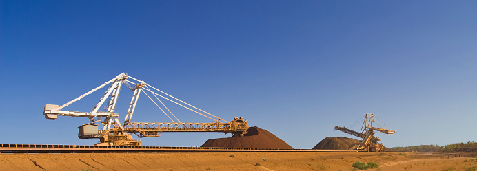 Mill「Reclaimer an Stacker on Pilbara  Mine Site」:スマホ壁紙(8)
