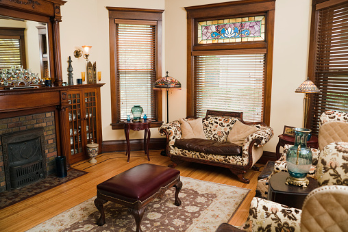 Old-fashioned「Victorian Style Living Room, Old-fashioned, Antique Domestic Residential Home Interior」:スマホ壁紙(1)