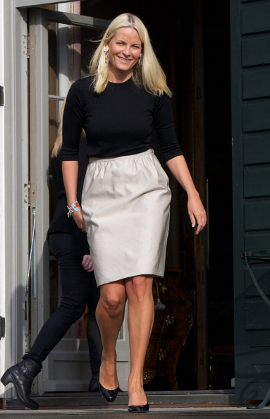 Gray Skirt「Princess Mette-Marit of Norway Attends Opening of Global Shapers Oslo」:写真・画像(15)[壁紙.com]