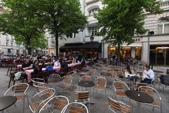 Outdoors「Berlin Marks 125 Years Kurfuerstendamm Anniversary」:写真・画像(11)[壁紙.com]