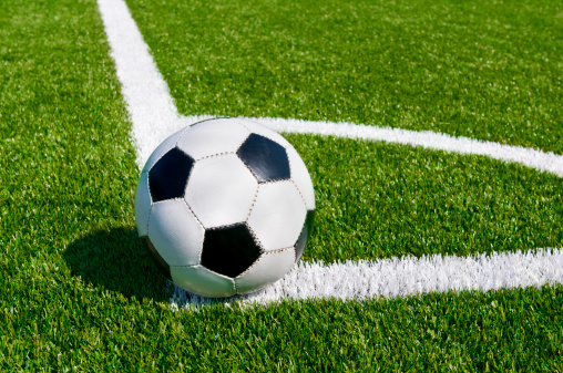 Corner Marking「Corner kick on beautiful soccer field」:スマホ壁紙(4)