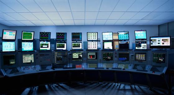 Device Screen「Computer screens in control room」:スマホ壁紙(18)