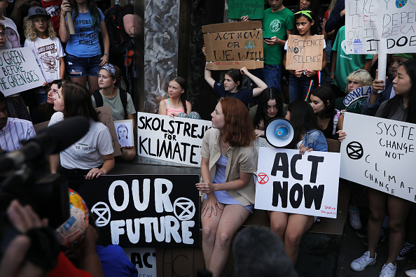 Activist「Youth Climate Activists Protest Outside United Nations」:写真・画像(13)[壁紙.com]