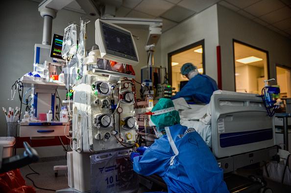Poland「Krakow University Hospital Treats Coronavirus Patients」:写真・画像(13)[壁紙.com]