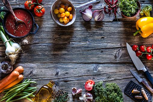 Garlic Clove「Cooking backgrounds: fresh vegetables and kitchen utensils frame」:スマホ壁紙(12)