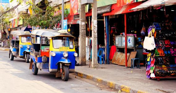 Asia「Thailand, Khon Kaen City, Tuk Tuk Taxi」:スマホ壁紙(13)