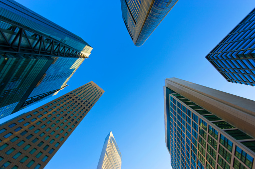 Shinbashi - Tokyo「Skyscraper Array and Blue Sky in the Shiodome District of Minato Ward in Tokyo, Japan」:スマホ壁紙(3)