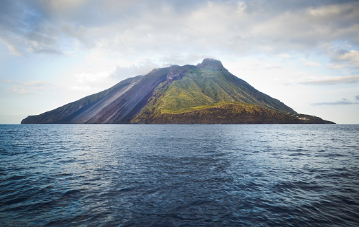 Volcano「Stromboli」:スマホ壁紙(10)