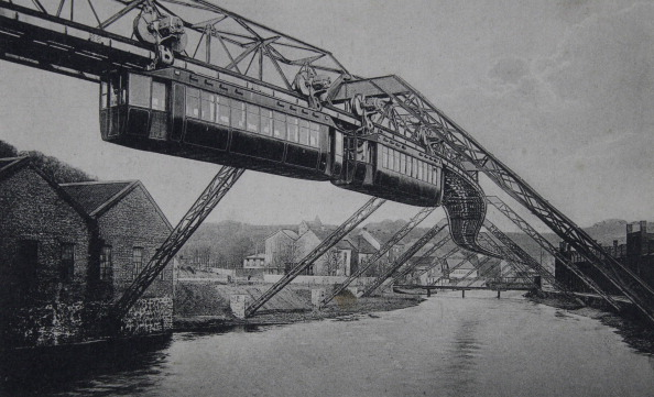 1900-1909「Wuppertal. Suspension Railway Elberfeld-Vohwinkel. At Westend. About 1905. Photograph.」:写真・画像(10)[壁紙.com]