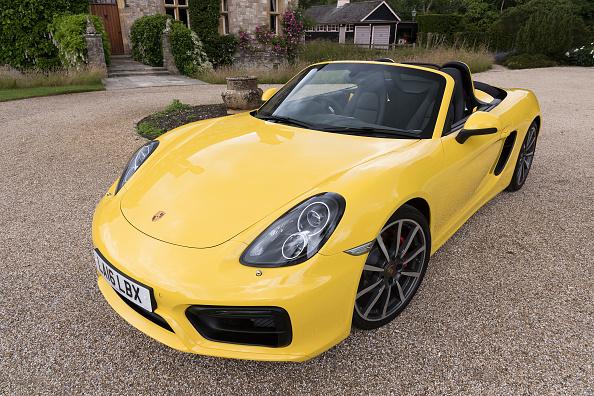 Yellow「2016 Porsche Boxter S.」:写真・画像(3)[壁紙.com]