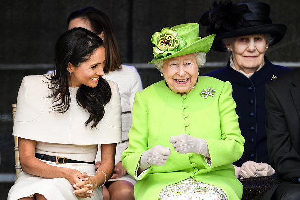Laughing「The Duchess Of Sussex Undertakes Her First Official Engagement With  Queen Elizabeth II」:写真・画像(11)[壁紙.com]