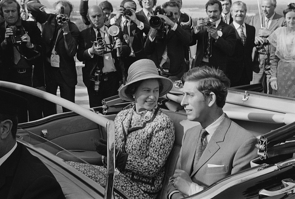 Medium Group Of People「Queen Elizabeth II In France」:写真・画像(12)[壁紙.com]