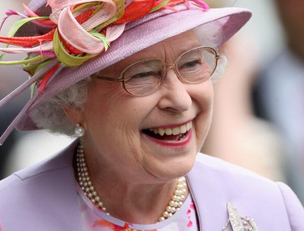 Laughing「Royal Ascot 2009 - Day 4」:写真・画像(18)[壁紙.com]