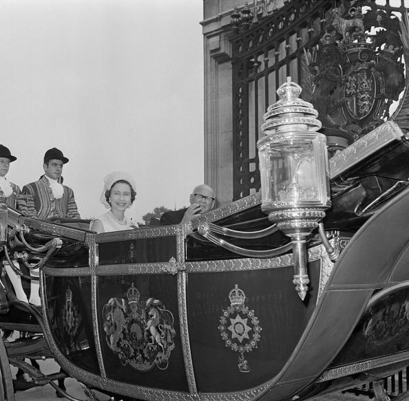 1900「Elizabeth II and Urho Kekkonen」:写真・画像(1)[壁紙.com]