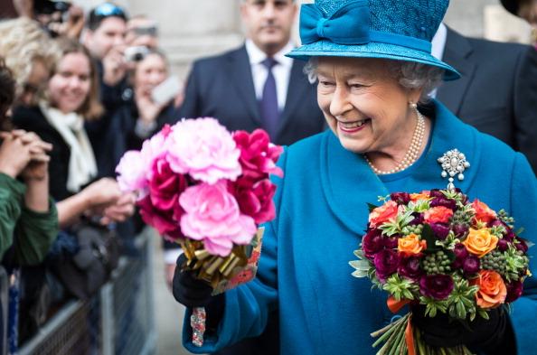 Flower「Queen Elizabeth II Visits The Royal Commonwealth Society」:写真・画像(8)[壁紙.com]