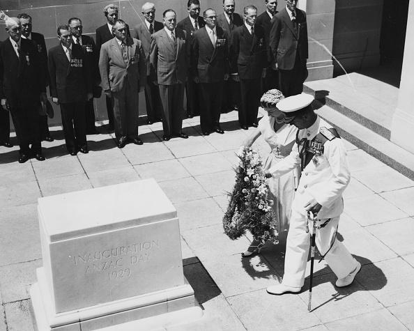 National War Memorial「Queen Elizabeth II And Prince Philip」:写真・画像(8)[壁紙.com]